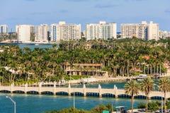 Vue de Miami du terminal de bateau de croisière images stock