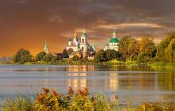 Vue de monastère de Spaso-Yakovlevsky Photographie stock libre de droits