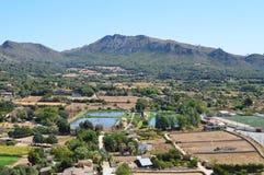 vue de montagne et de village photos stock