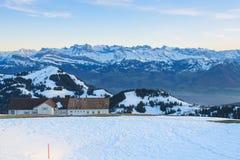 Vue de Mt. Rigi dans la soirée d'hiver Photo libre de droits