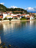 vue de nafpakto de port de la Grèce Photographie stock