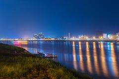Vue de nuit à Phnom Penh, Cambodge Photographie stock libre de droits
