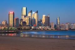 Vue de nuit à Qingdao Photographie stock libre de droits