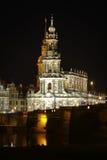 Vue de nuit au centre historique de Dresde sur Noël Images stock