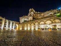 Vue de nuit d'église de San Pietro Caveoso, Sassi di Matera, le sien images libres de droits