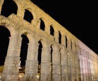 Vue de nuit d'aqueduc de Ségovie, Espagne Photo libre de droits