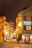 Vue de nuit d'Augustinergasse avant Noël Photos stock