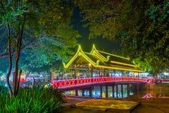 Vue de nuit dans Siemreap, Cambodge Photos stock