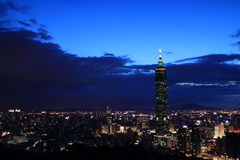Vue de nuit de 101 à Taïpeh Photographie stock