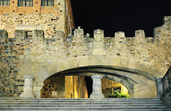 Vue de nuit de Caceres (Estrémadure, Espagne) Photo stock