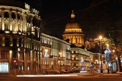 Vue de nuit de cathédrale de St Isaac Images libres de droits