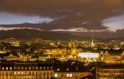 Vue de nuit de centre de la ville de Zurich - Suisse Images libres de droits