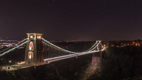 Vue de nuit de Clifton Suspension Bridge Bristol England Images stock