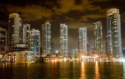 Vue de nuit de Dubaï Images stock