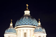 Vue de nuit de la cathédrale de Troitsky images libres de droits