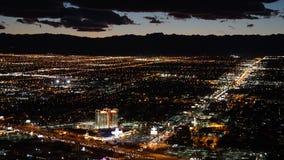 Vue de nuit de la tour de stratosphère à Las Vegas, Nevada Images libres de droits