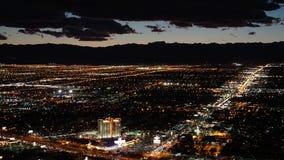 Vue de nuit de la tour de stratosphère à Las Vegas, Nevada Images stock