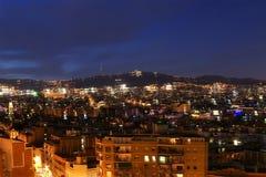 Vue de nuit de Montjuic au-dessus de Barcelone Photo stock