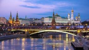 Vue de nuit de Moscou Kremlin banque de vidéos