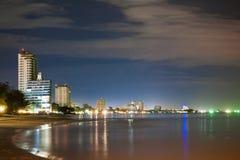 Vue de nuit de plage chez Huahin Thaïlande Photos libres de droits