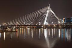 Vue de nuit de pont de Ningbo Bund Images stock