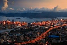 Vue de nuit de port au port de Yantian Photographie stock libre de droits