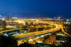 Vue de nuit de Taïpeh dans le nankang photographie stock libre de droits