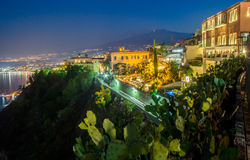 Vue de nuit de Taormina Photos stock