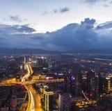 Vue de nuit de ville de Kunmingl Photographie stock libre de droits