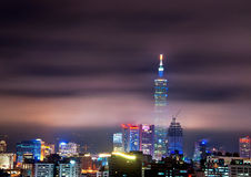 Vue de nuit de ville de Taïpeh Photo stock