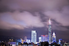 Vue de nuit de ville de Taïpeh Photo libre de droits