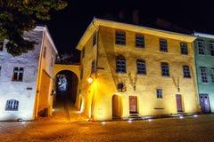 Vue de nuit de ville historique Sighisoara Ville dans laquelle était Vlad Tepes né, Dracul photographie stock libre de droits