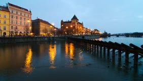 Vue de nuit de Vltava Photographie stock libre de droits