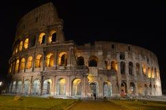 Vue de nuit du Colosseum. Rome Photos libres de droits