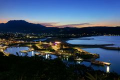 Vue de nuit du port de pêche de huanggang photo stock