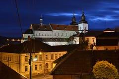 Vue de nuit de l'église photographie stock libre de droits