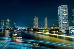 Vue de nuit le jour passé de la célébration d'année à Bangkok Photographie stock libre de droits
