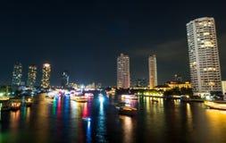 Vue de nuit le jour passé de la célébration d'année à Bangkok Photographie stock
