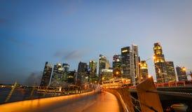 Vue de nuit de Marina Bay, Singapour Photo libre de droits