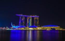 Vue de nuit de Marina Bay, Singapour Photos libres de droits