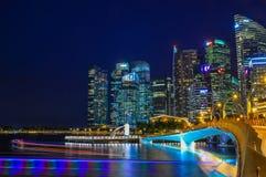 Vue de nuit de Marina Bay, Singapour Photos stock