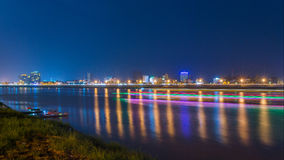 Vue de nuit à Phnom Penh, Cambodge Photos libres de droits