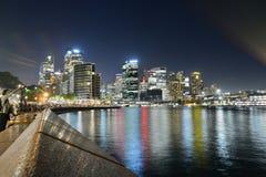 Vue de nuit Quay circulaire et district des affaires central sydney La Nouvelle-Galles du Sud l'australie Photographie stock