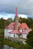 Vue de palais de Priory un jour nuageux image libre de droits