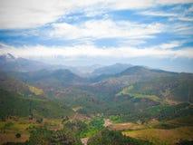 Vue de panorama aux montagnes d'atlas et à la vallée, Maroc Images stock