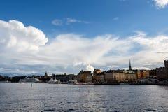 Vue de panorama d'horizon de Stockholm dans Gamla stan, Suède Images libres de droits