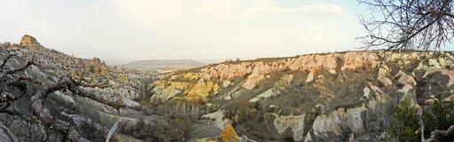 Vue de panorama de Cappadocia, Turquie, montrant le château d'Uchisar images stock