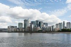 Vue de panorama de district jaune canari de quai Image libre de droits