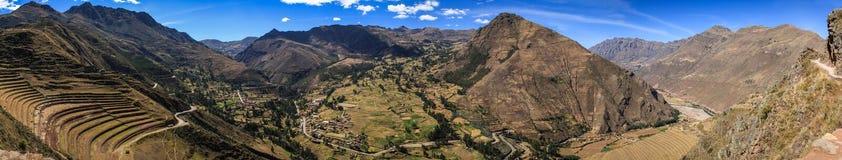 Vue de panorama de la vallée de Pisac, d'Inca Ruins au Pérou Photos libres de droits