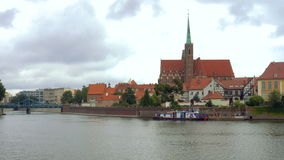 Vue de panorama de remblai polonais de Wroclaw de ville banque de vidéos